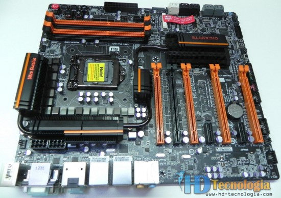 GIGABYTE-Z77X-UP7-4