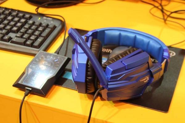 G.Skill muestra los auriculares Ripjaws R71 Computex 2013
