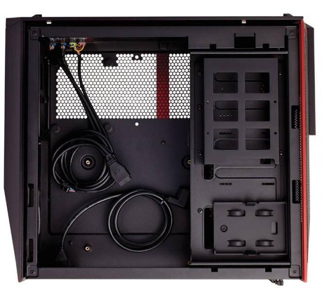 Corsair muestra su PC Bulldog orientada para el rendimiento 4K-3