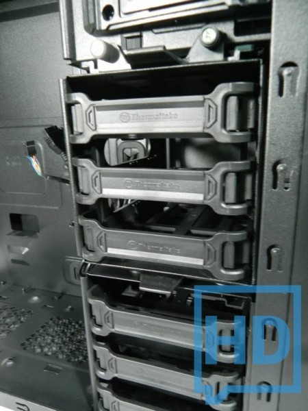 gabinete-thermaltake-chaser-a31-11