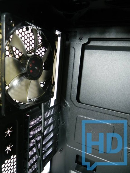 gabinete-thermaltake-chaser-a31-14