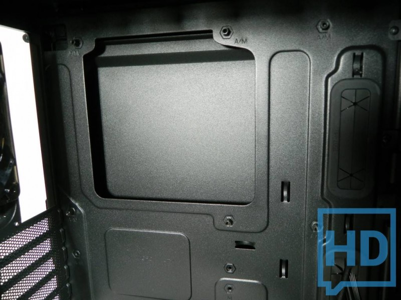 gabinete-thermaltake-chaser-a31-15