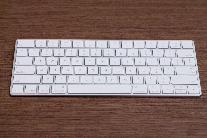 Apple anuncia su iMac de 21,5 pulgadas, junto con Nuevos Accesorios Wireless-2